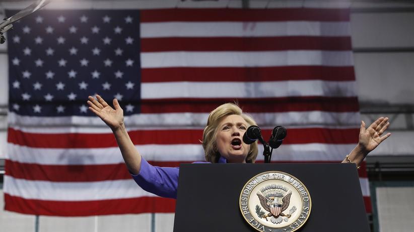 E-Mail-Affäre: US-Präsidentschaftskandidatin Hillary Clinton im Wahlkampf