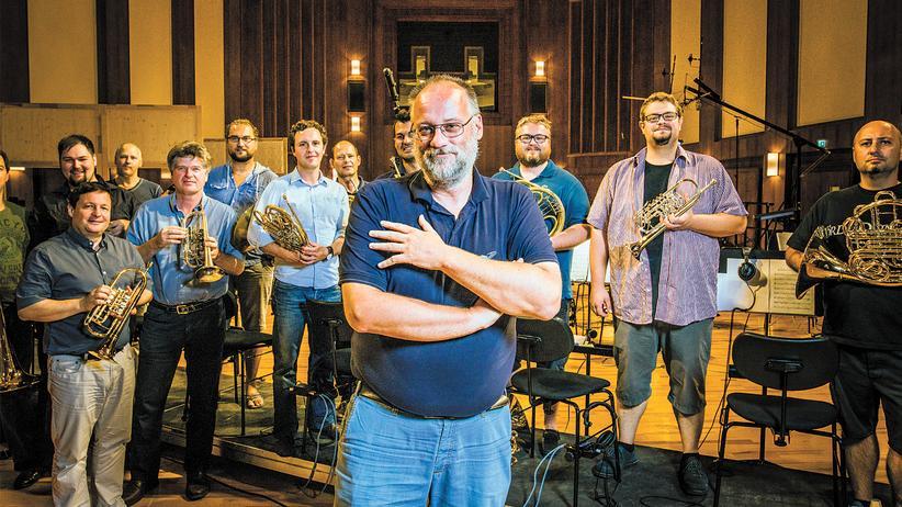 Filmmusik: Herbert Tucmandl in der Synchronhalle samt Blechmusikbegleitung