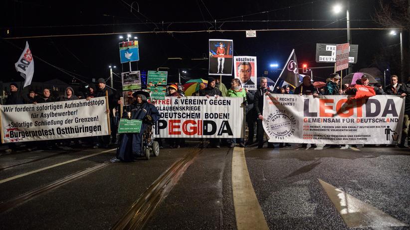 sachsen-rechtsextremismus-npd-pegida-spaltung-einheitsfeier-leipzig-legida