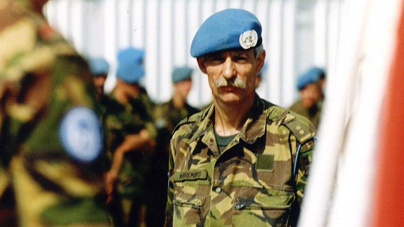 Srebrenica: Colonel Thomas J.P. Thom Karremans in Bosnien (Foto vom 23. Juli 1995)