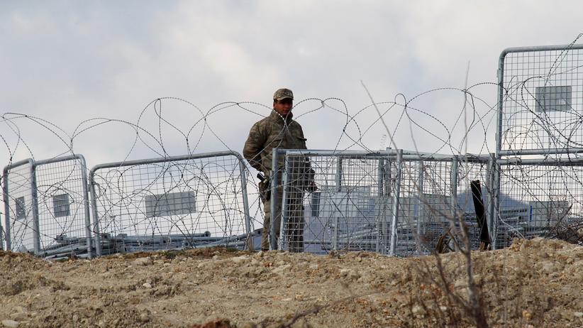 Geisel: Ein türkischer Soldat an der syrisch-türkischen Grenze