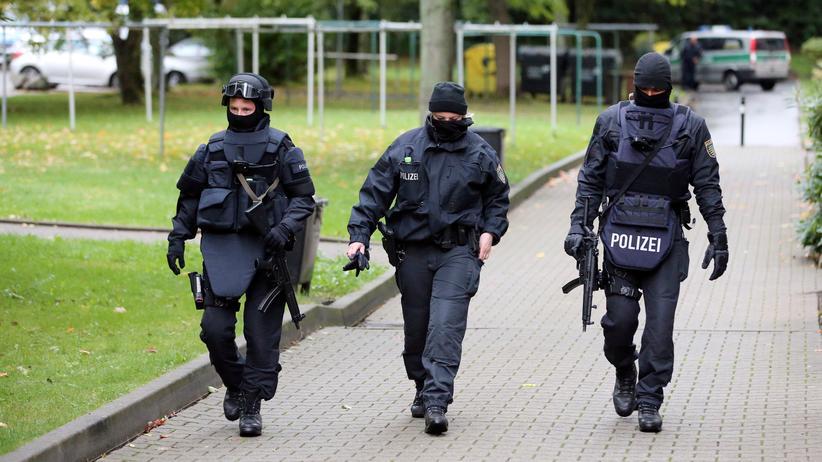 JVA Leipzig: Polizeieinsatz in Chemnitz wegen des Terrorverdächtigen Jaber Al-Bakr