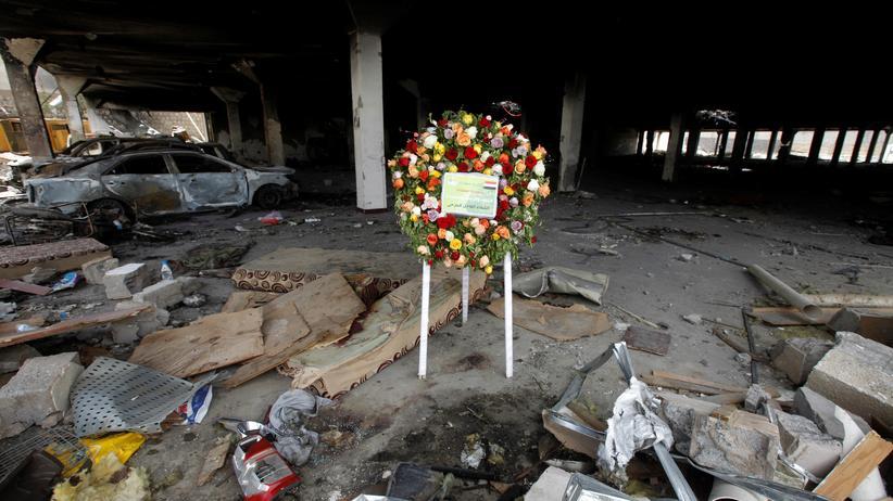 Jemen: Zerstörte Gemeindehalle nach einem Luftangriff in Sanaa