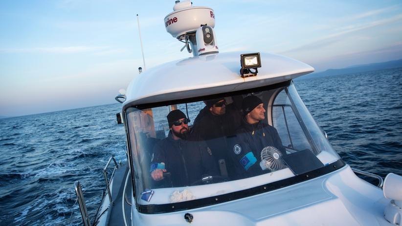 Europäische Union: Portugiesische Frontex-Mitarbeiter auf Patrouille zwischen der türkischen und griechischen Küste.