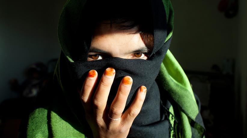 Kinderehen: Eine 17-Jährige in einer Frauenunterkunft im afghanischen Bamian (Archivbild von 2010). Sie war als Elfjährige mit einem Fünfjährigen zwangsverheiratet worden und konnte später fliehen.
