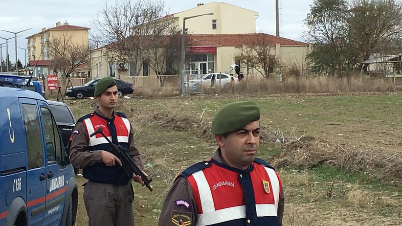 Türkei: Polizisten vor dem Gefängnis in Edirne, Türkei