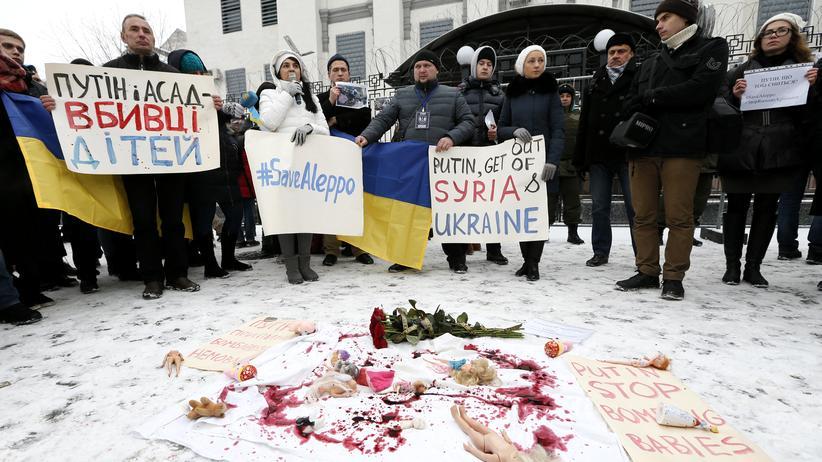 EU-Gipfel: Solidaritätskundgebung in Kiew für die Opfer der Kämpfe im syrischen Aleppo