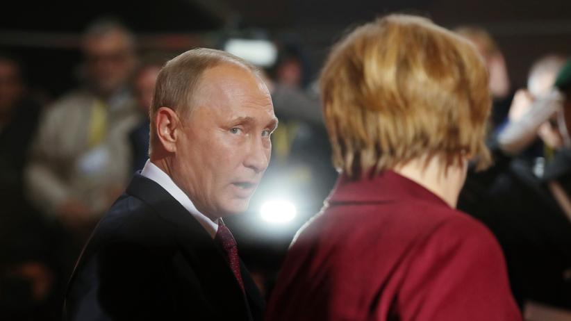 Bundestagswahl: Angela Merkel und Wladimir Putin im Oktober 2016 in Berlin