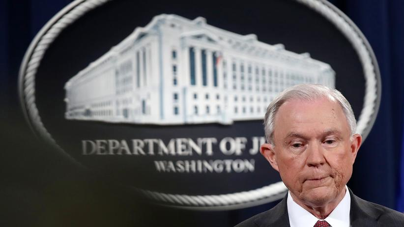 Jeff Sessions: US-Justizminister Jeff Sessions bei der Pressekonferenz in Washington