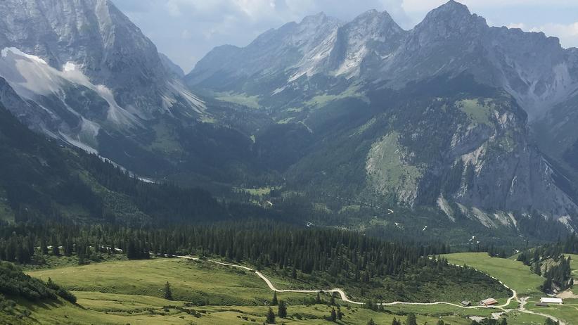 Landflucht in Österreich: Oft trügt ein Idyll wie hier im Karwendelgebirge in Tirol. Der ländliche Raum ist mit massiven Strukturproblemen konfrontiert.