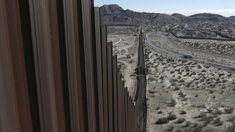 Mauer zu Mexiko: US-Grenzzaun zu Mexiko in der Nähe von Ciudad Juárez
