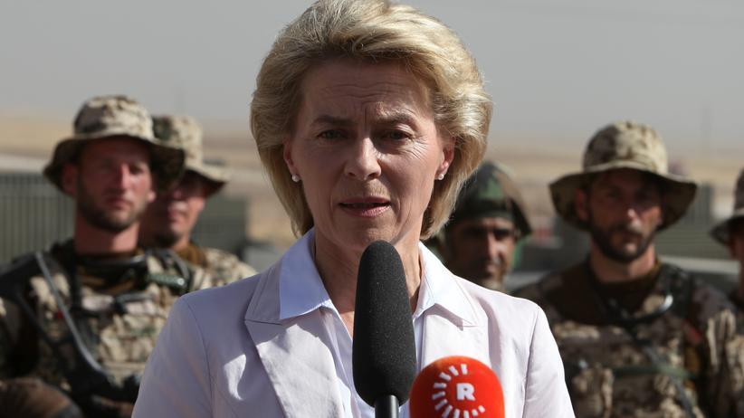 Syrien: Verteidigungsministerin Ursula von der Leyen bei einem Besuch im türkischen Erbil
