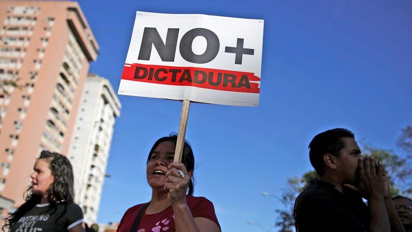 Straßenproteste in Caracas gegen die sozialistische Regierung