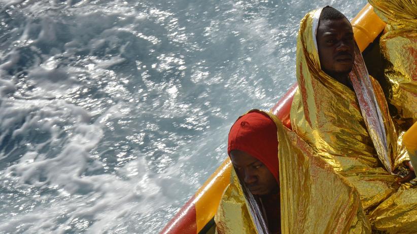 Mittelmeer: Flüchtlingskinder bei Bootsunglück gestorben