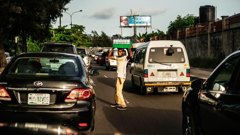 Afrika-Gipfel: Straßenverkäufer in Lagos