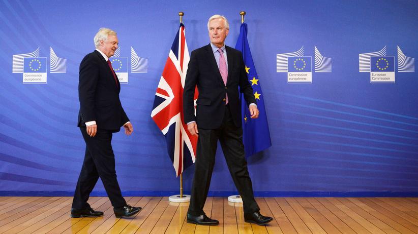 Brexit: Michel Barnier (r) verhandelt für die EU, David Davis ist der Brexit-Minister der Briten