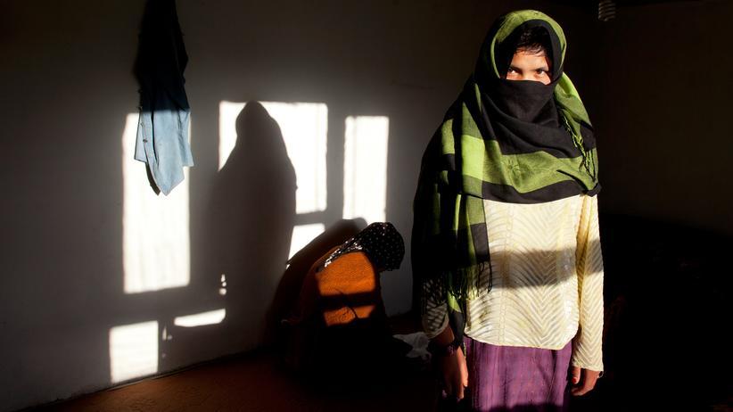 Kinderehe: Eine 17-Jährige, die vor einer Kinderehe in ein Frauenhaus in Afghanistan geflohen ist