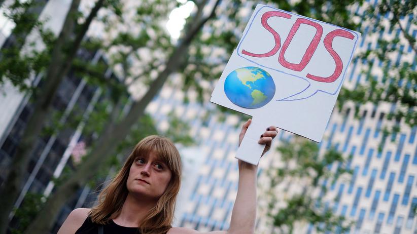 Weltklimavertrag : Politiker und Unternehmer kritisieren Trump