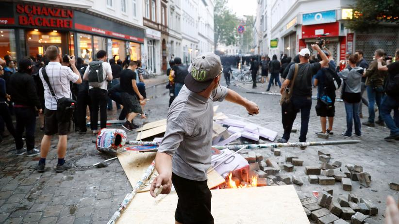 G20-Ausschreitungen: Fliegende Steine und brennende Barrikaden – Hamburg wurde während des G-20-Gipfels verwüstet.