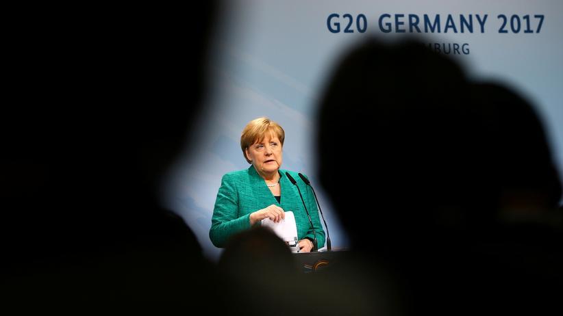 G20-Gipfel in Hamburg: Ziemliches Dunkel: Angela Merkel während der abschließenden Pressekonferenz am Samstag