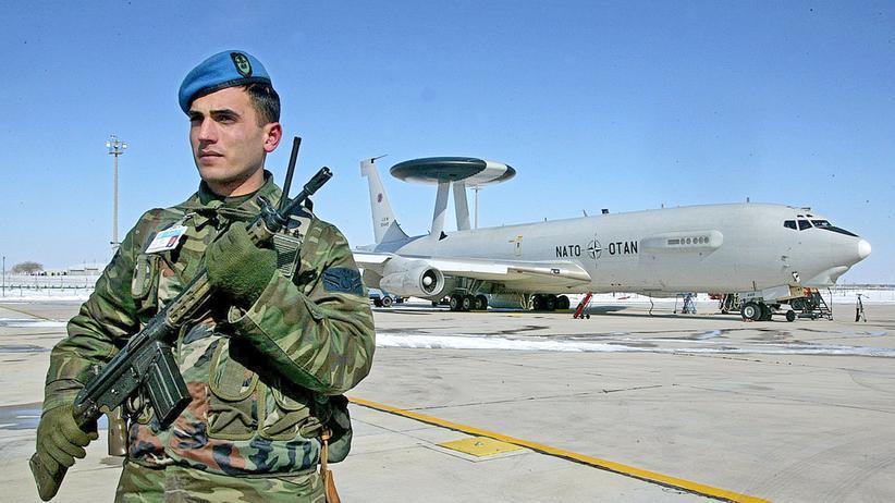 Konya: Ein türkischer Soldat auf der Luftwaffenbasis Konya
