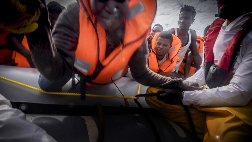Flüchtlinge im Mittelmeer: Frontex fordert von NGOs Unterstützung im Kampf gegen Schleuser
