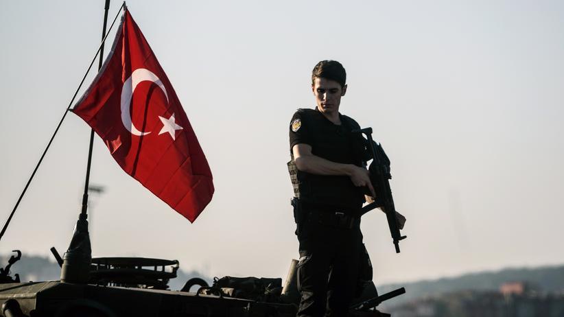 Türkei : Bundesregierung überdenkt Rüstungsexporte in die Türkei