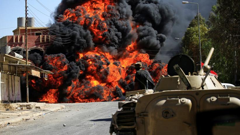 """""""Islamischer Staat"""": Truppen der Irakischen Armee  und von schiitischen Milizen rücken im Kampf gegen den """"Islamischen Staat"""" in die Stadt Tal Afar ein."""