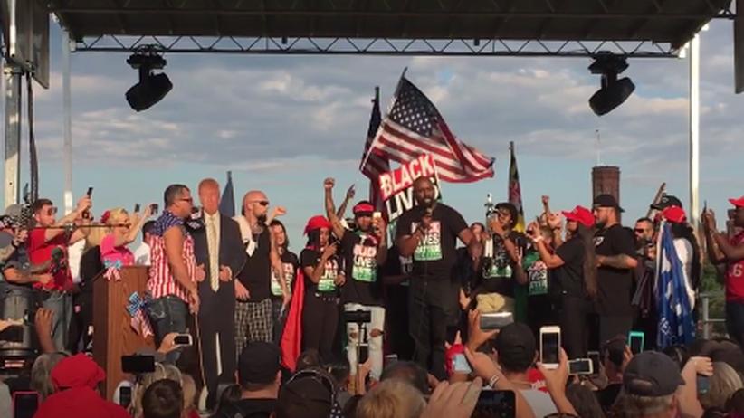 Black Lives Matter bei einer Trump-Demo: Moment der Einigkeit inmitten von Hass