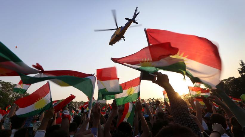Kurden-Referendum: Vor dem angestrebten Referendum sieht man in Erbil viele kurdische Fahnen.