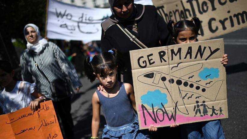 Jamaika-Koalition: Flüchtlinge demonstrieren in Athen gegen die Einschränkung des Familiennachzugs in Deutschland