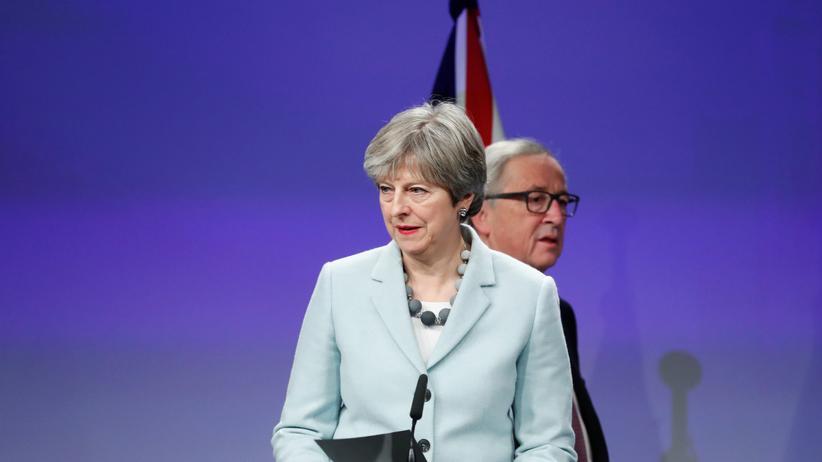 Brexit: Theresa May und Jean-Claude Juncker auf der Pressekonferenz in Brüssel
