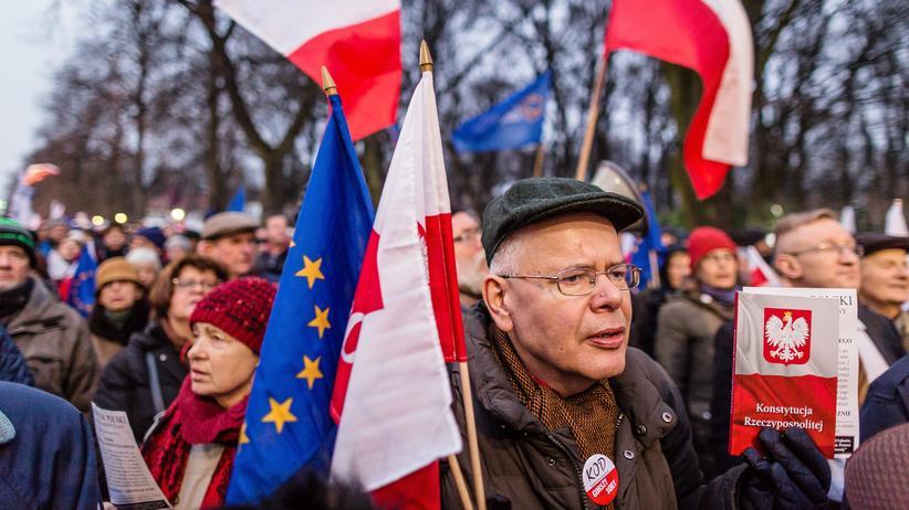 EU: Regierungskritische Demonstranten in Warschau (Bild von 2016)