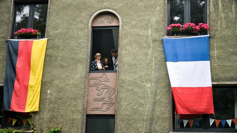 """Élysée-Vertrag: """"Das Herz unserer Freundschaft schlägt im Parlament"""""""