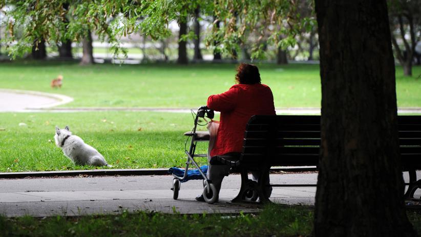 Soziale Isolation: Großbritannien hat seit Kurzem eine Ministerin für Einsamkeit. Braucht Deutschland das auch?