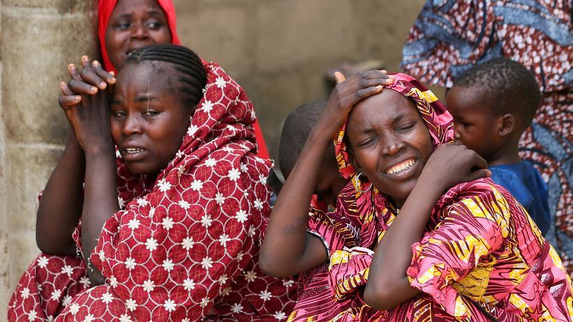 Boko Haram: Regierung bestätigt Entführung von mehr als 100 Mädchen