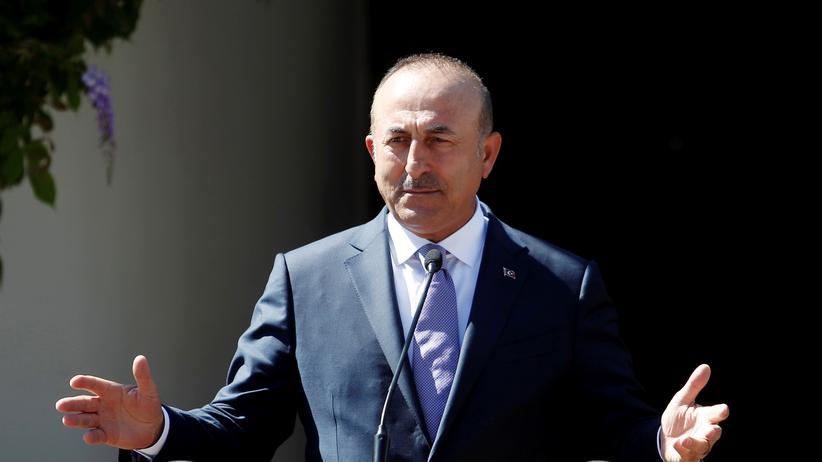 Mevlüt Çavuşoğlu: Türkischer Außenminister hält bei Gedenkfeier in Solingen Rede