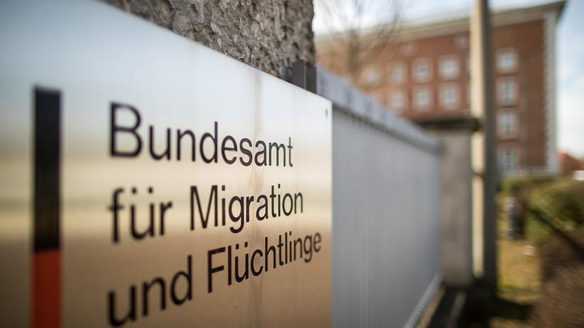 Asylpolitik: Weitere Außenstellen des Bundesamtes für Migration und Flüchtlinge sollen überprüft werden.