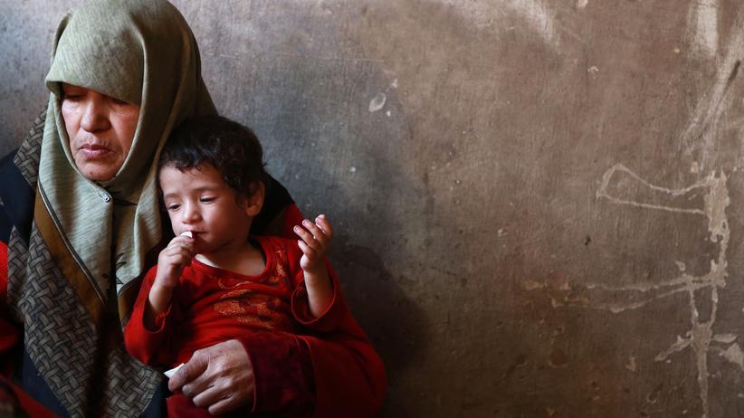 Vereinte Nationen: Ein an Mangelernährung leidender syrischer Junge in Ostghuta, November 2017