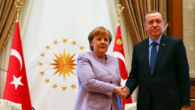 Bundeskanzlerin: Der türkische Präsident Recep Tayyip Erdoğan und Bundeskanzlerin Angela Merkel im Präsidentschaftspalast 2017
