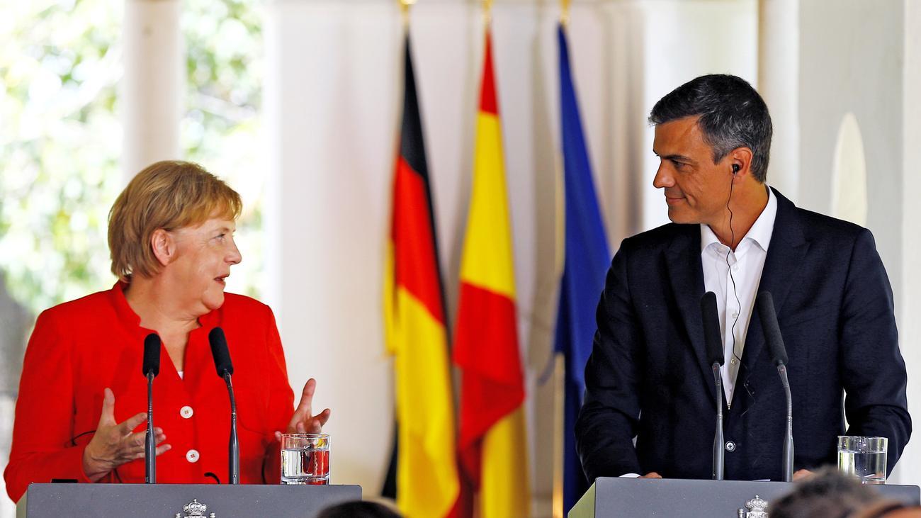 Angela Merkel: Die Kanzlerin auf Unterstützungskurs in Spanien
