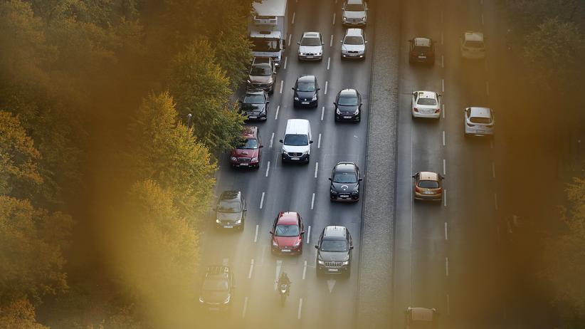 Emissionen von Neuwagen: Angela Merkel hält CO2-Kompromiss der EU für tragbar
