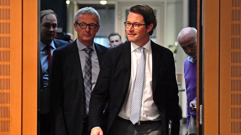 """Dieseltreffen: Verkehrsminister Andreas Scheuer (CSU) sagt, die Autohersteller hätten sich """"sehr stark bewegt""""."""