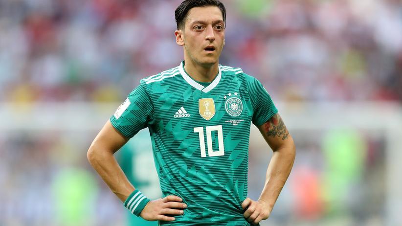 Nachrichtensuche: Im Juli wurde häufig nach Mesut Özil gegoogelt (hier nach dem WM-Spiel gegen Südkorea): Er warf dem DFB Rassismus vor.