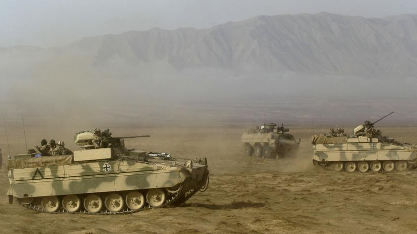 Rüstungsindustrie: Panzer der deutschen Bundeswehr - hier in Afghanistan