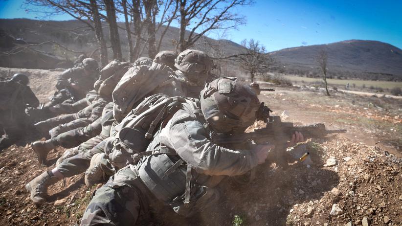 Rüstungsindustrie: Französische Soldaten während einer internationalen Militärübung