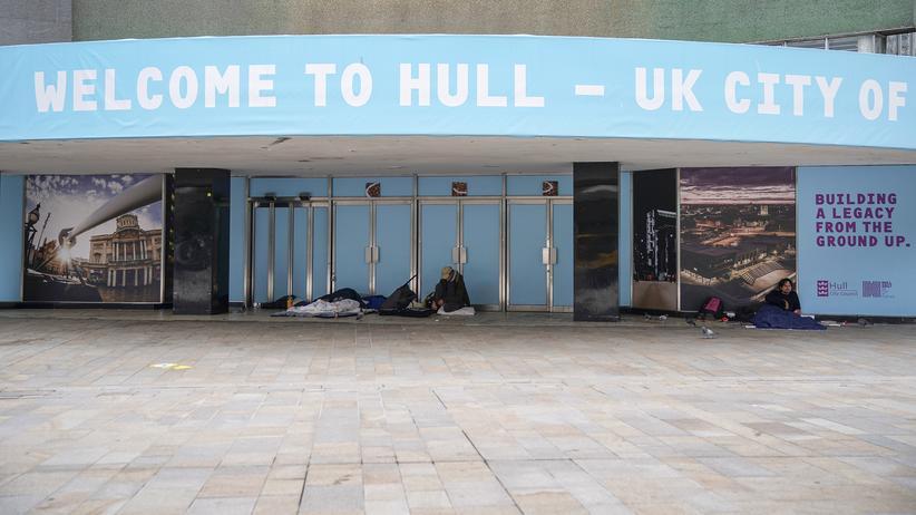 Hull: Obdachlose schlafen vor einem leerstehenden Gebäube in Hull