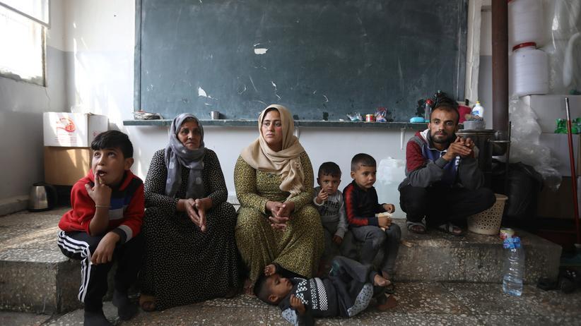 Angela Merkel: Kanzlerin stellt sich hinter Syrien-Vorstoß von Kramp-Karrenbauer
