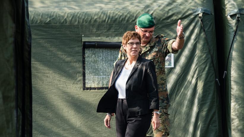 Bundeswehr: Annegret Kramp-Karrenbauer beim Truppenbesuch in Frankenberg