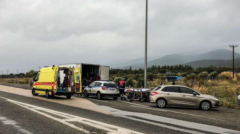 Griechenland: Polizei entdeckt 41 Menschen in einem Kühl-Lkw